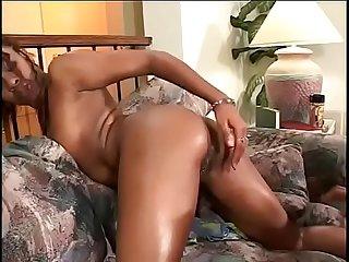 Ebony sweaty skank gets her pussy ate