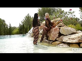 Voluptuous mermaids Tracy Lindsay & Lucy Li indulge in lesbian foot play