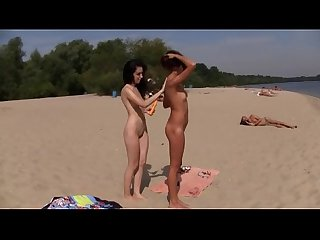 New teen friends bound by the love of being nude