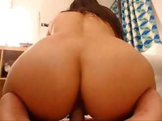 Round ass babe riding toy