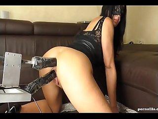 Squirting orgasmus bei doppelpenetration mit fickmaschine pornolila com