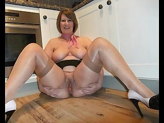 Mature women spreading 1