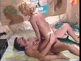 Nina hartley bikini retro yorugua