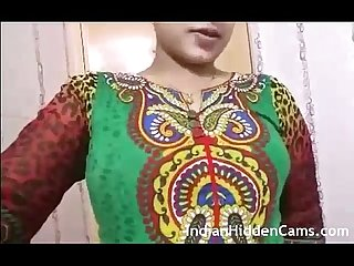 Desi Bhabi showing nude body indianhiddencams com