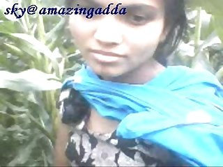 Bangla girl boob show to open field
