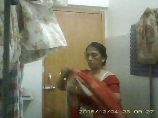 Sexy Mature Indian Milf Undressing her saree In Bathroom Teaser Video