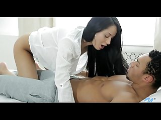Exquisite cunt spanking